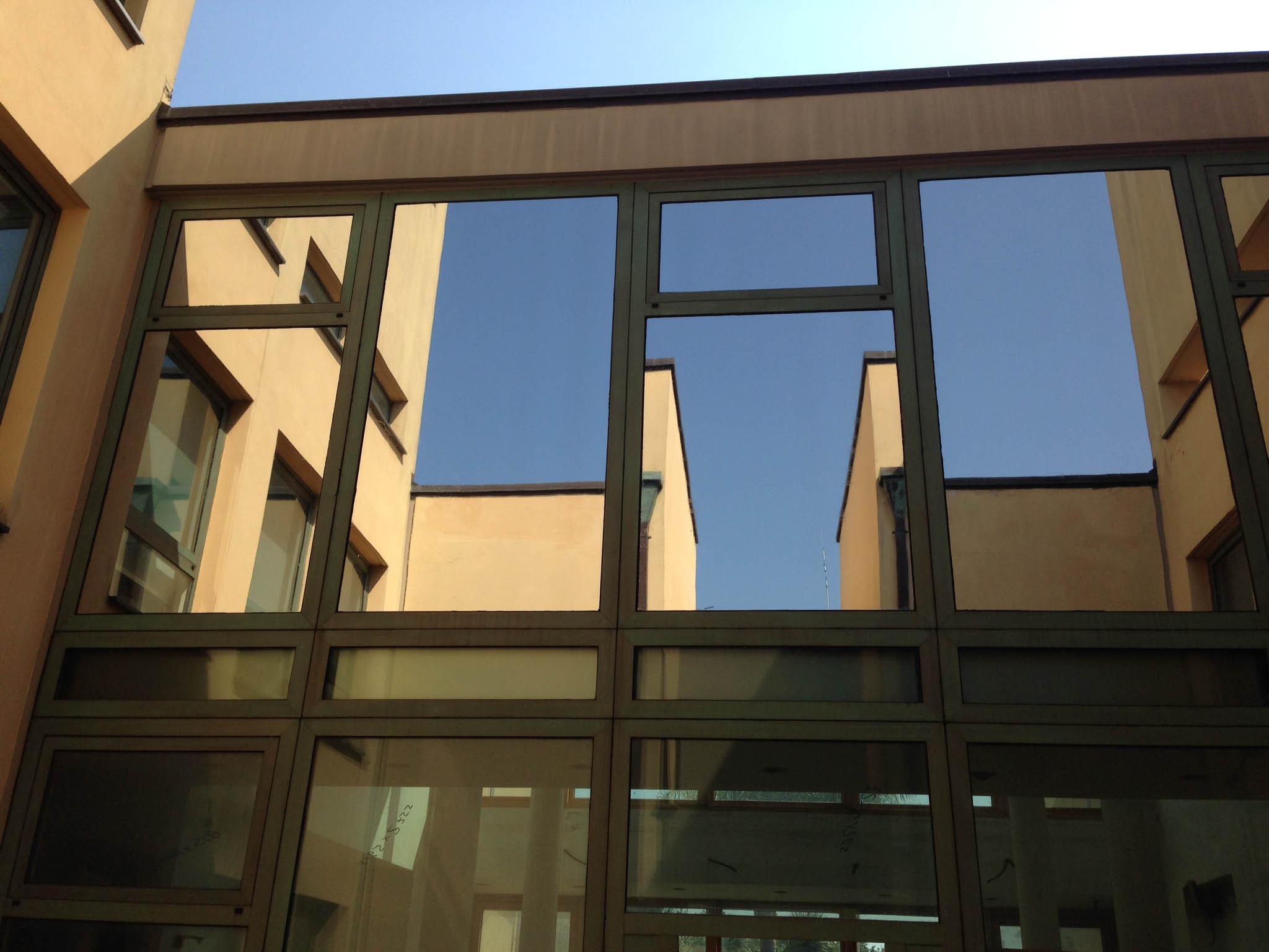 Pellicole a controllo solare per vetri l ultima - Specchi riflettenti luce solare ...